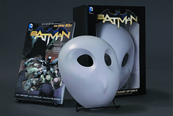 batman_courtOfOwls_book+mask