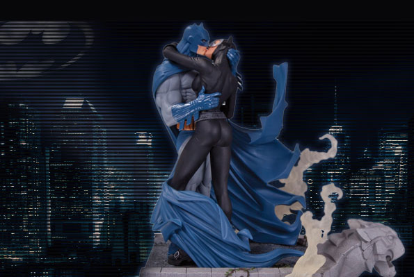 batman_catwomanKiss_statue