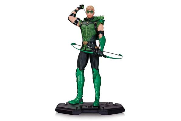 green arrow blog statue